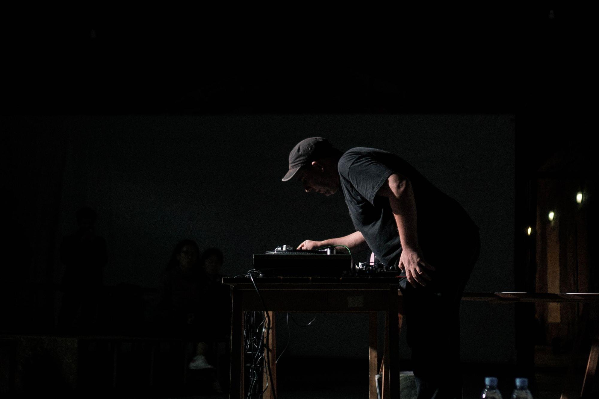 Make awesome beats on La Scratcheuse